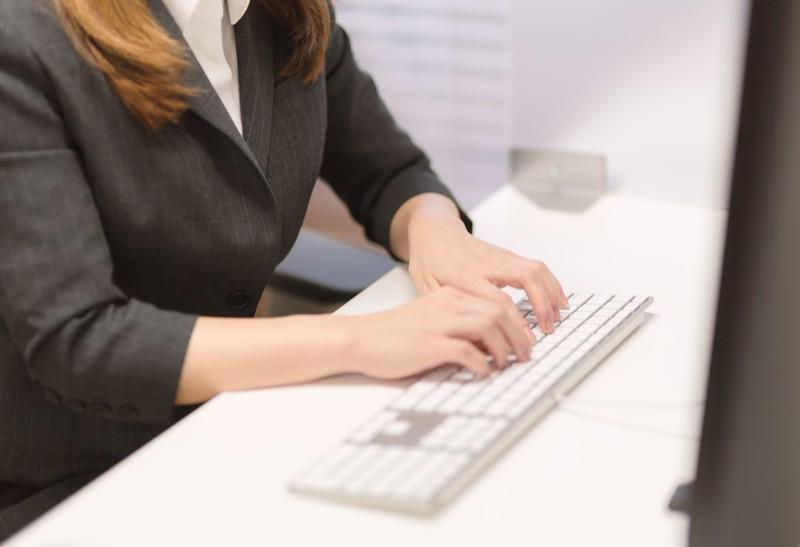 派遣のタイピングスキルチェックで求められる速度とおすすめ練習サイト